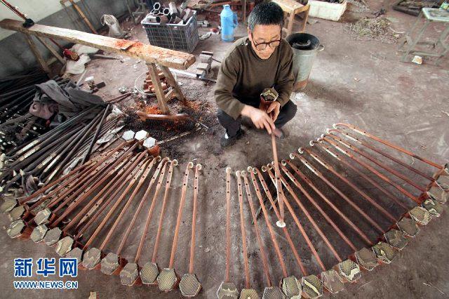 Erhu cinesi, costruzione e montaggio